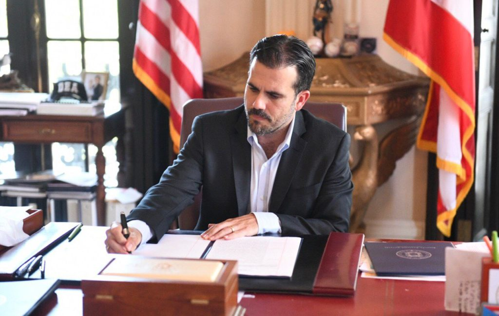 Puerto rico governor Ricardo Rosselló tweeted a picture of him signing the executive order.