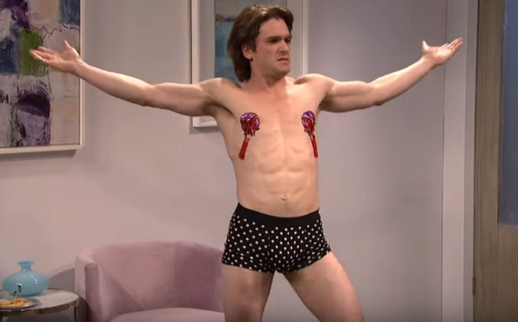 Game of Thrones star Kit Harington performs a drag show on SNL.