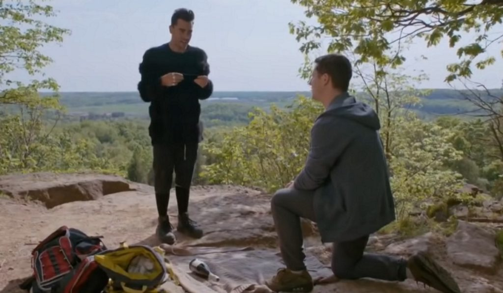 David and Patrick getting engaged on Schitt's Creek in an episode aired on April 2 2019.