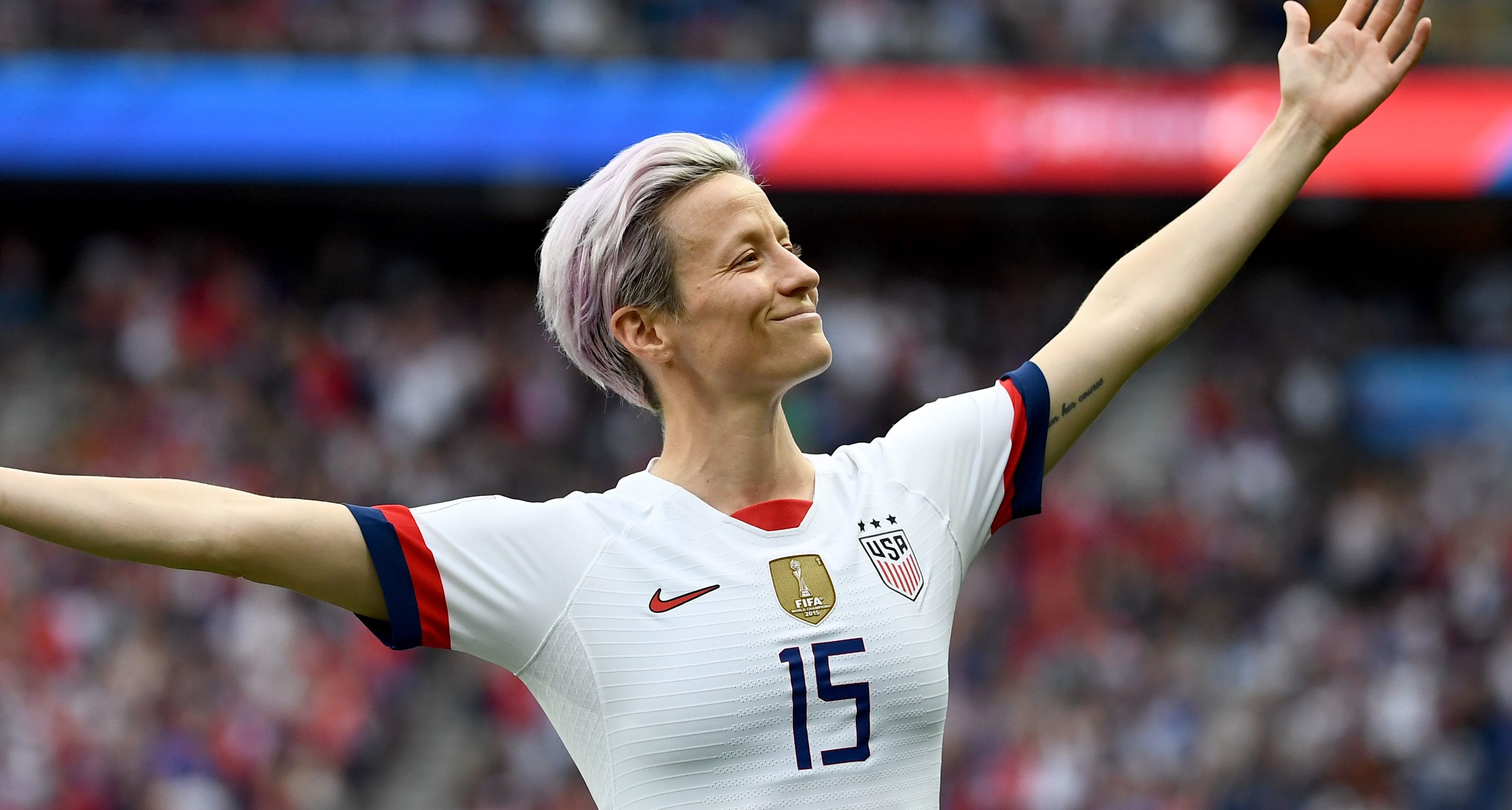 Megan Rapinoe celebrates goal against France in Women's World Cup