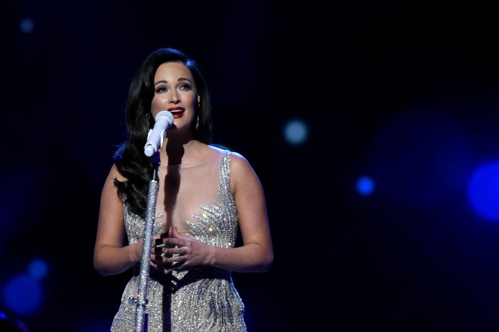 NASHVILLE, TN - NOVEMBER 08: Singer-songwriter Kacey Musgraves performs on stage during the CMA 2016 Country Christmas on November 8, 2016 in Nashville, Tennessee. (Photo by Rick Diamond/Getty Images)