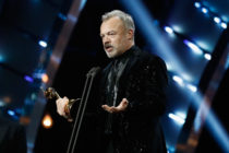 LONDON, ENGLAND - JANUARY 25: Graham Norton on stage with the Special Recognition Award during the National Television Awards at The O2 Arena on January 25, 2017 in London, England. (Photo by John Phillips/Getty Images)