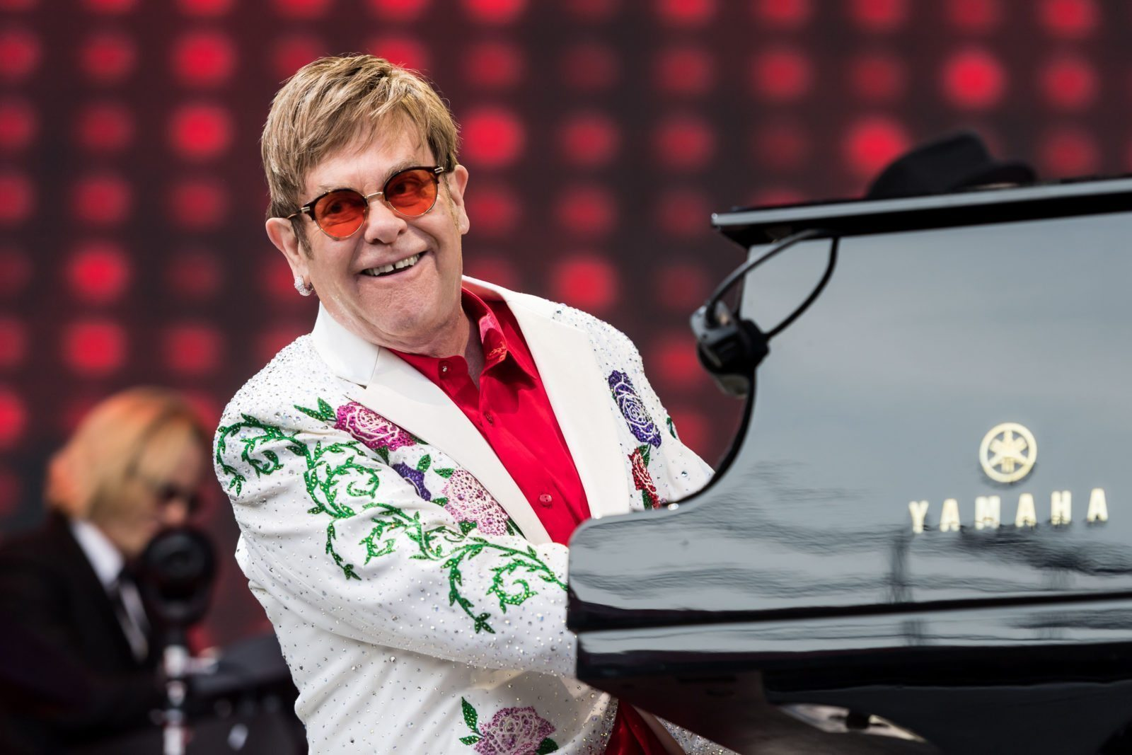 LONDON, ENGLAND - JUNE 03: Elton John performs live at Twickenham Stoop on June 3, 2017 in London, England. (Photo by Ian Gavan/Getty Images for Harlequins)