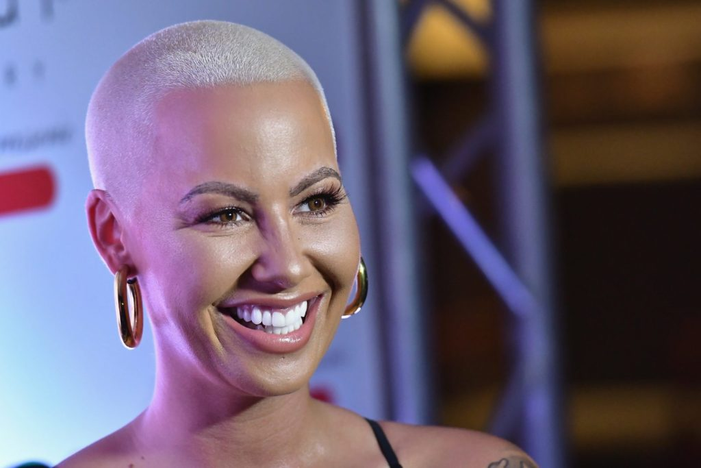 MIAMI, FL - AUGUST 18: Amber Rose attends End Of Summer Party at Sugar Factory American Brasserie on August 18, 2017 in Miami, Florida. (Photo by Gustavo Caballero/Getty Images for Sugar Factory American Brasserie)