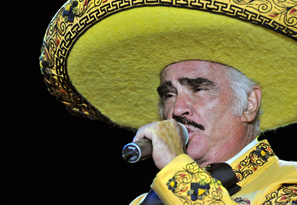 Mexican singer Vicente Fernandez performs during his concert on February 20, 2009 in Cali, department of Valle del Cauca, Colombia.