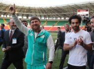 Egyptian national team football player and Liverpool's star striker Mohamed Salah (R) and head of the Chechen Republic Ramzan Kadyrov pose during a training of Egyptian team at the Akhmat Arena stadium in Grozny on June 10, 2018, ahead of the Russia 2018 World Cup. - Egypt's national football team will use the venue as their base camp training site. (Photo by KARIM JAAFAR / AFP) (Photo credit should read KARIM JAAFAR/AFP/Getty Images)