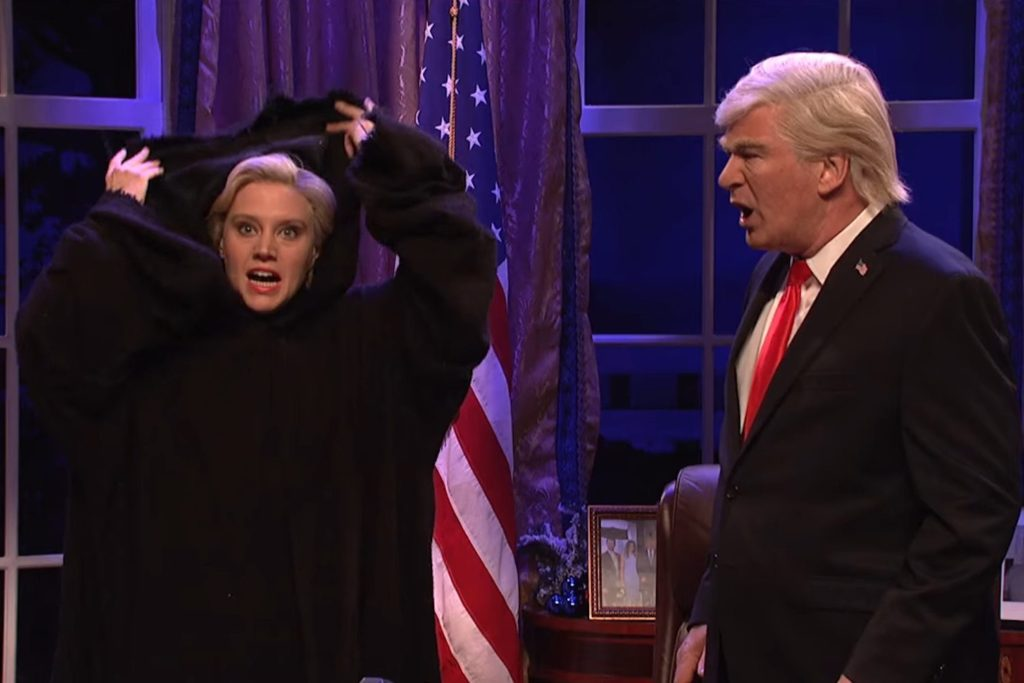 Snl Christmas Special 2019.Snl Mocks Trump In Christmas Sketch Inspired By A Christmas