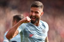 Chelsea's French striker Olivier Giroud celebrates after Chelsea's English midfielder Ross Barkley (unseen) scored his team's second goal during the English Premier League football match between Southampton and Chelsea at St Mary's Stadium
