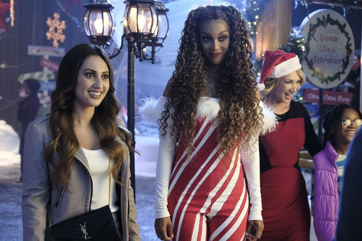 A shot from Life-Size 2, a Disney sequel set at Christmas which features a bisexual protagonist