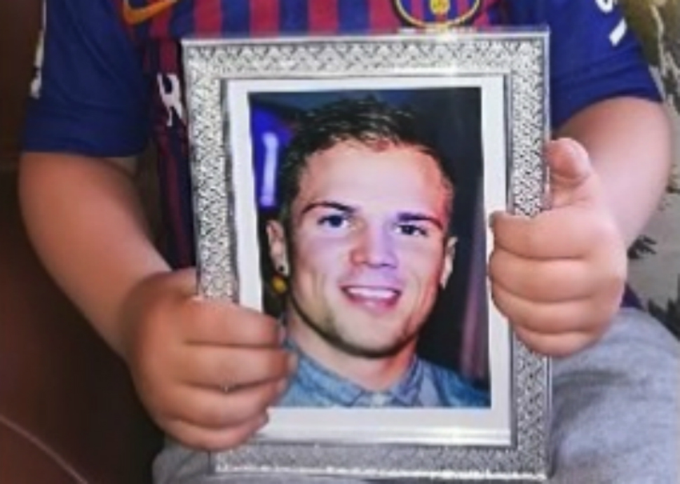 Photo of Scott McIntosh, a gay deep sea diver who killed himself after homophobic bullying