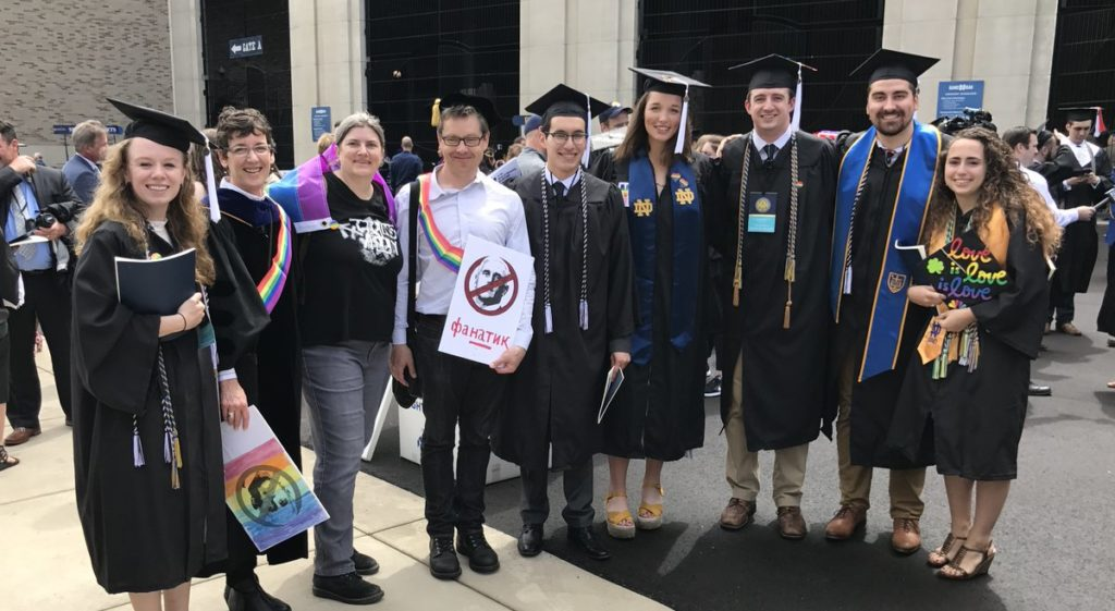 notre dame university students walkout on mike pence