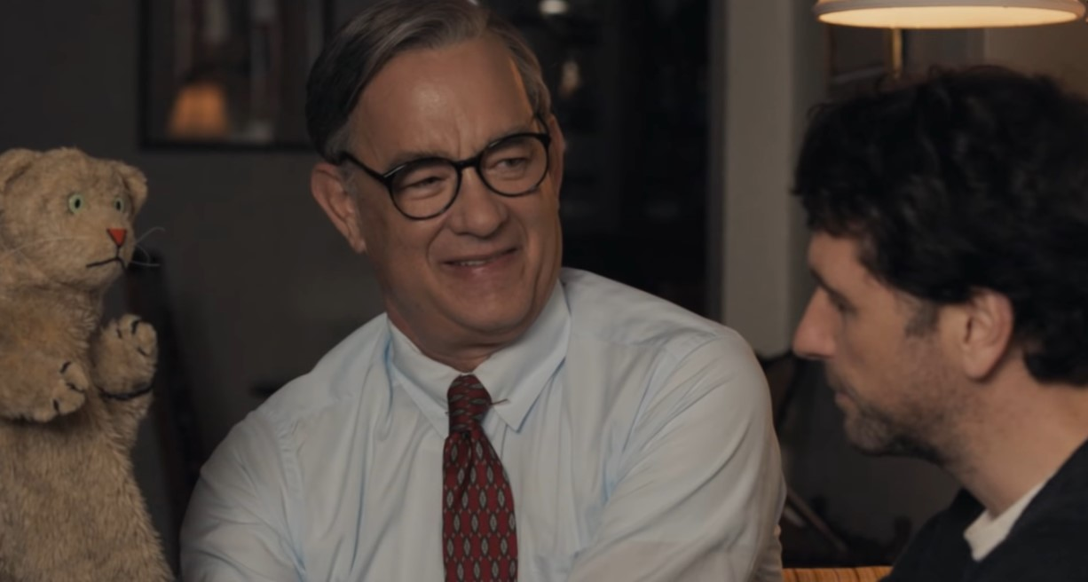 Tom Hanks Plays Bisexual Icon Mr Rogers In Biopic S First Look Trailer