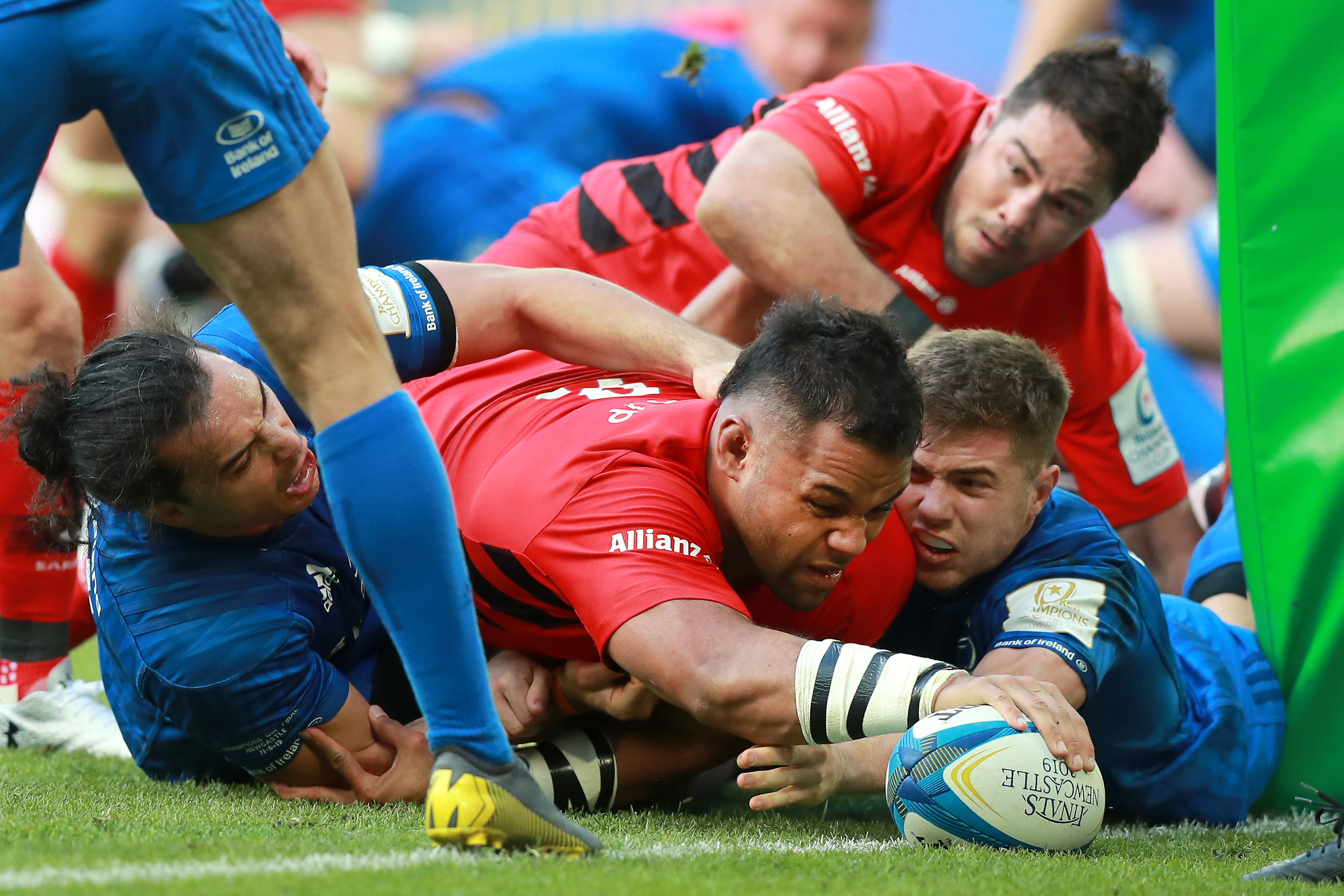 Billy Vunipola of Saracens touches down to score his team's second try during the Champions Cup Final match between Saracens and Leinster at St. James Park on May 11, 2019 in Newcastle upon Tyne, United Kingdom.