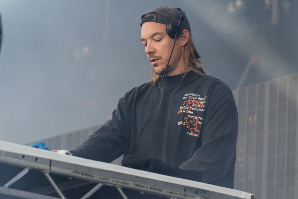 Diplo 2019 >> Diplo Tells Fans I Might Be Gay As Plane Makes Emergency