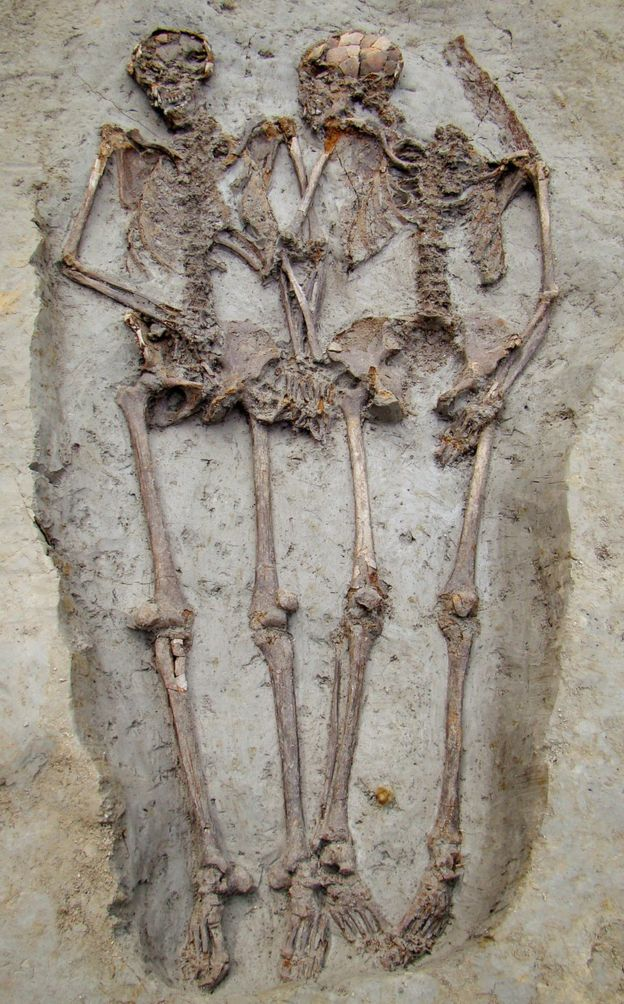 Ancient Roman skeletons holding hands for 1,500 years are both men