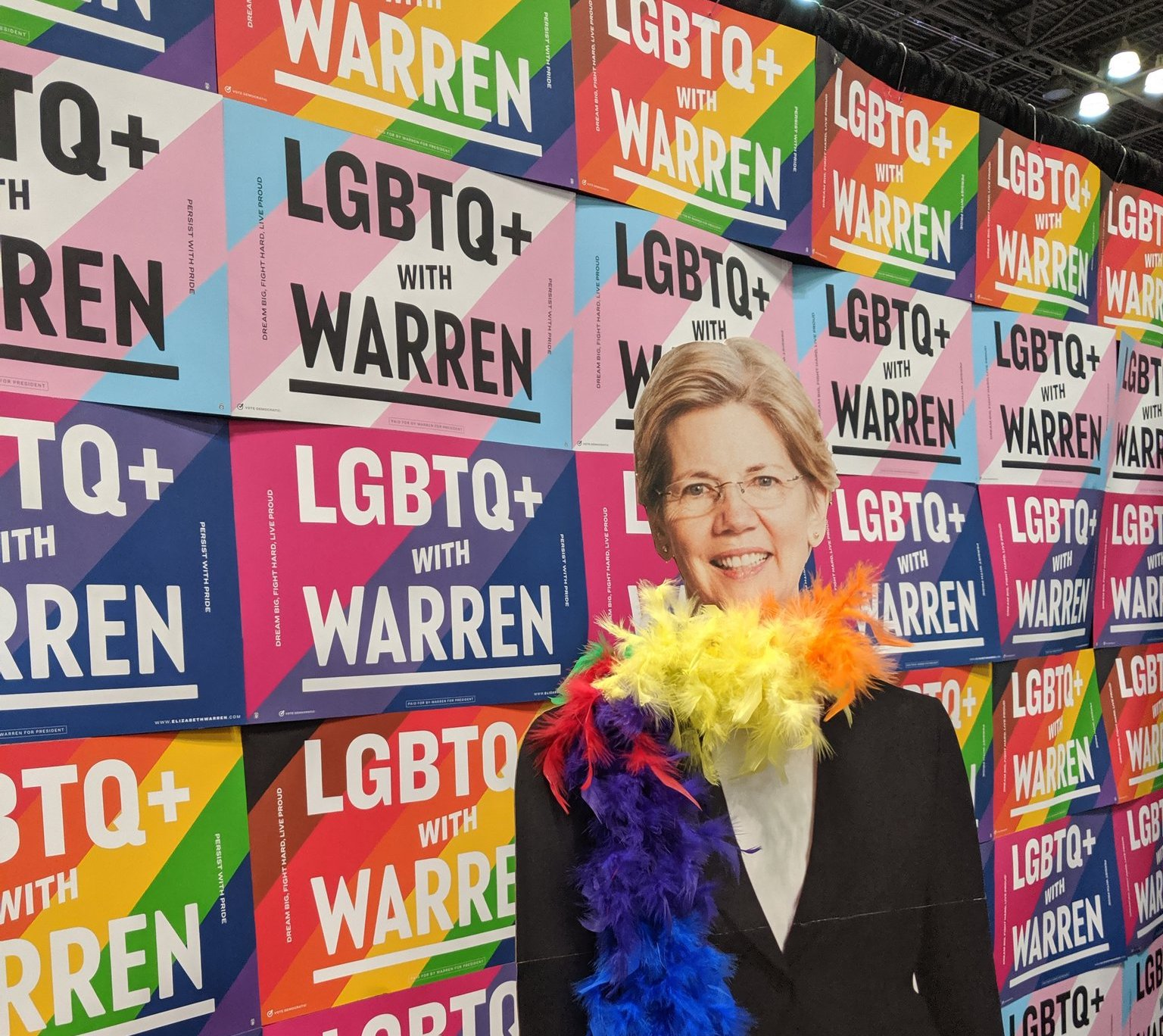 Elizabeth Warren boot DragCon 2019