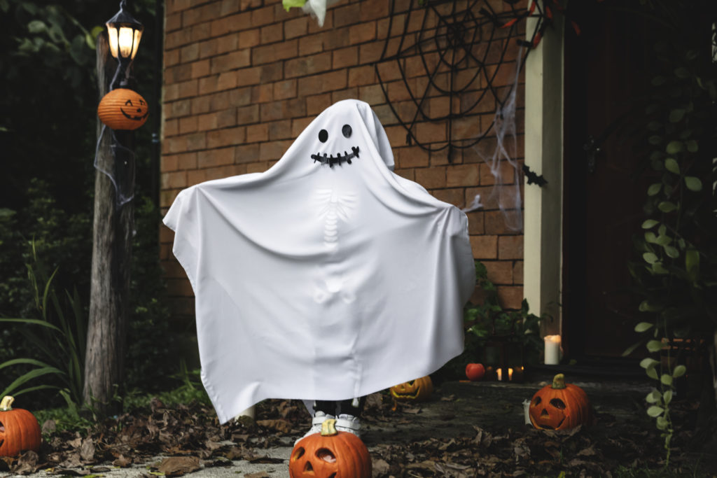 A queer person dressed up as the spirit that has possessed them. Spooky. (Stock photo via Elements Envato)