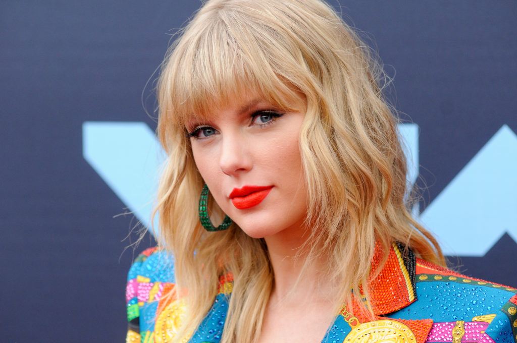 Taylor Swift says it's 'so upsetting' the census only has two gender options