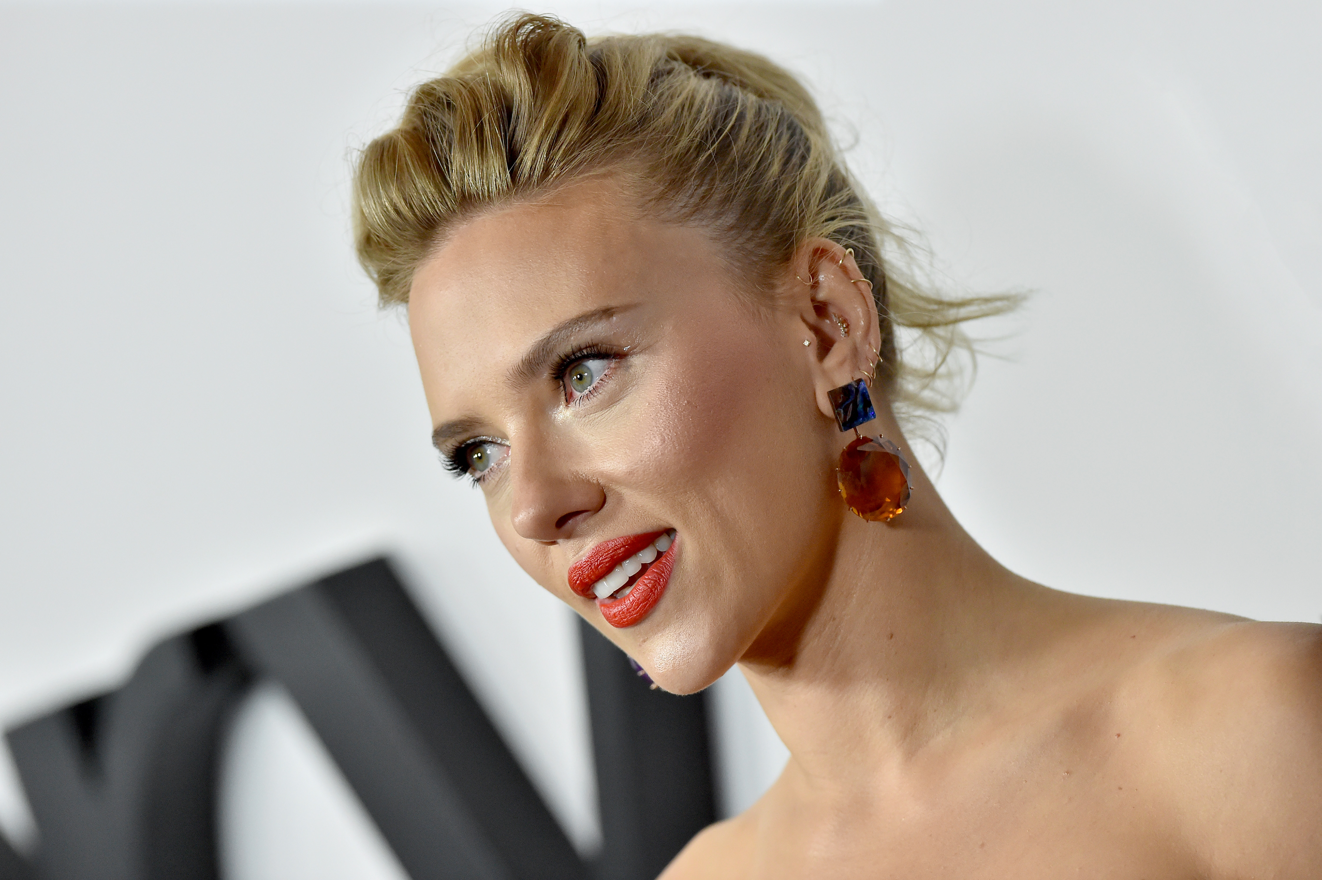 """Scarlett Johansson has admitted she """"mishandled"""" the controversy"""