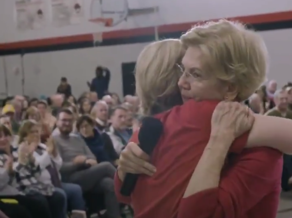 Elizabeth Warren shares tearful moment with queer teen when asked about acceptance