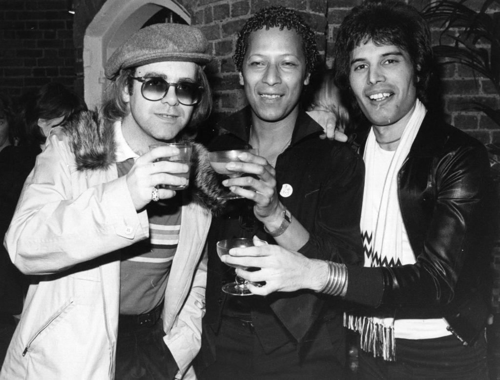 Singer songwriter Elton John (L) with star of musicals Peter Straker (C), and Freddie Mercury. (Hulton Archive/Getty Images)