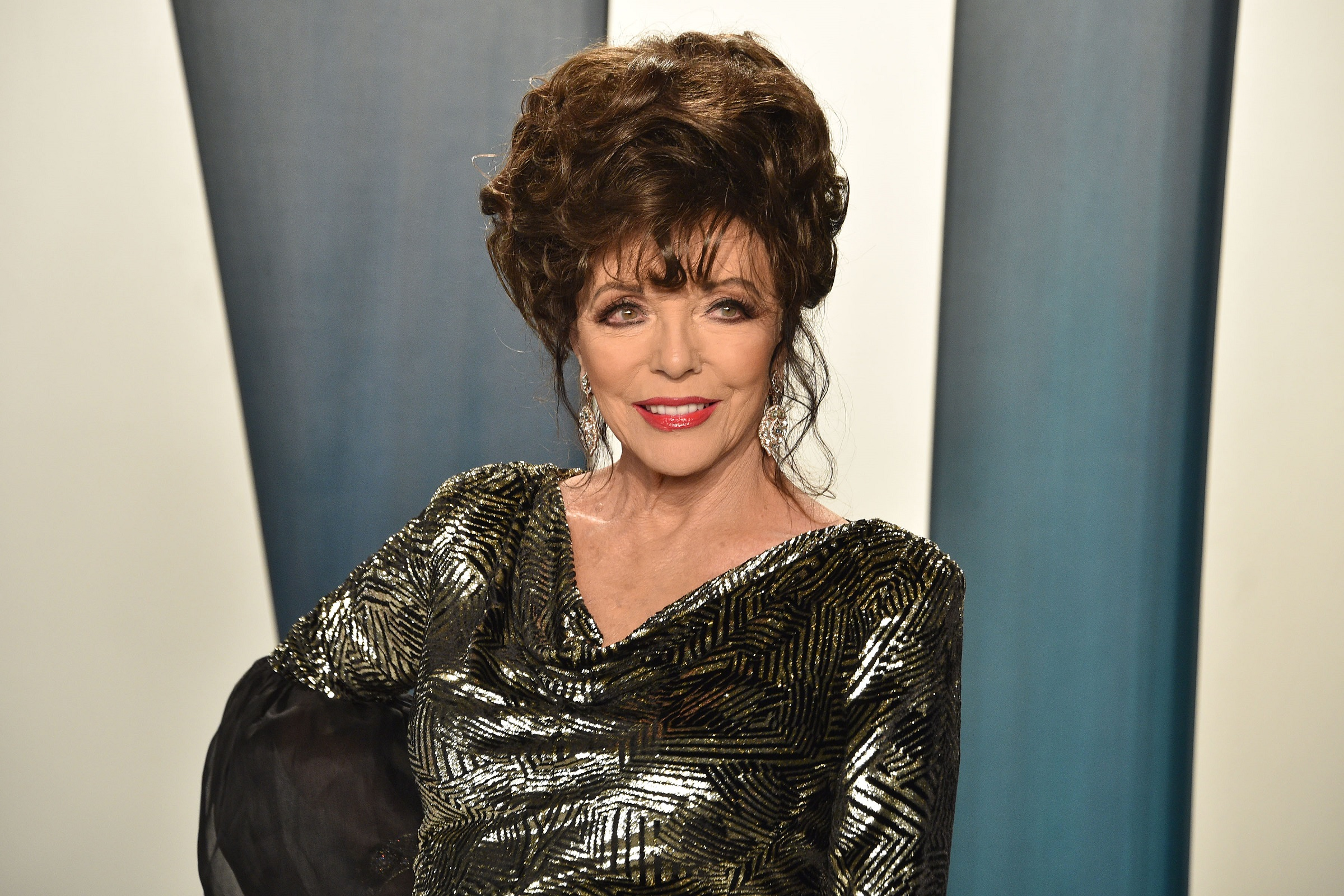 Joan Collins attends the 2020 Vanity Fair Oscar Party