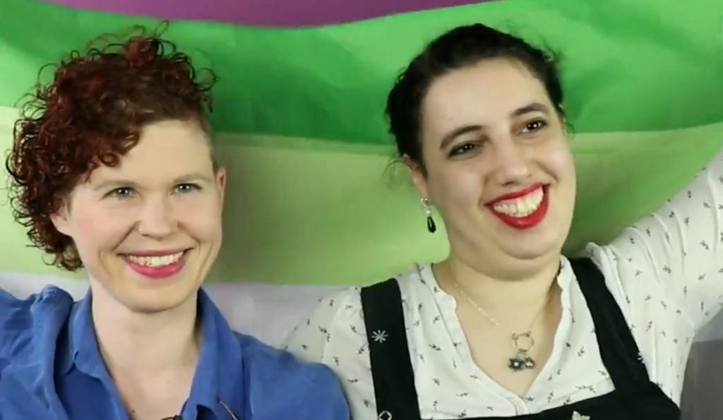 Lisa Burscheidt (L) and Samantha Marcus (R) aromatic folk in an 'opt-in, opt-out relationship'. (PinkNews)