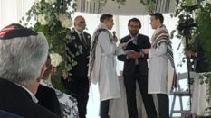 Rabbi Avram Mlotek performs same-sex wedding