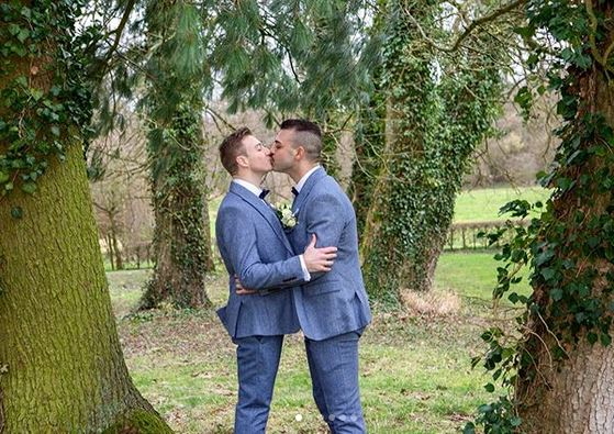 Olympic gold medalist Matthew Mitcham marries his partner in fairytale wedding ceremony