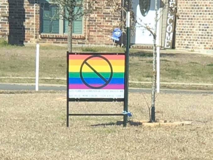 anti-LGBT+ lesbian couple sign Louisiana