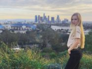 Russia: YouTuber flees country after inviting a gay man on her show