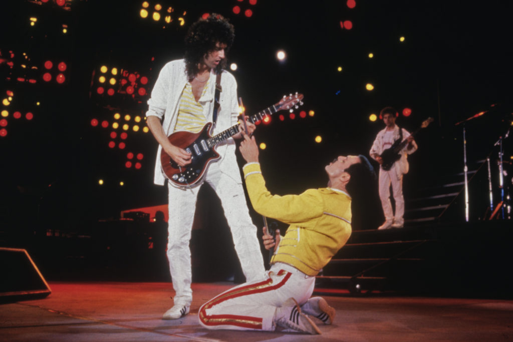 Singer Freddie Mercury and guitarist Brian May of British rock band Queen. (Dave Hogan/Getty Images)