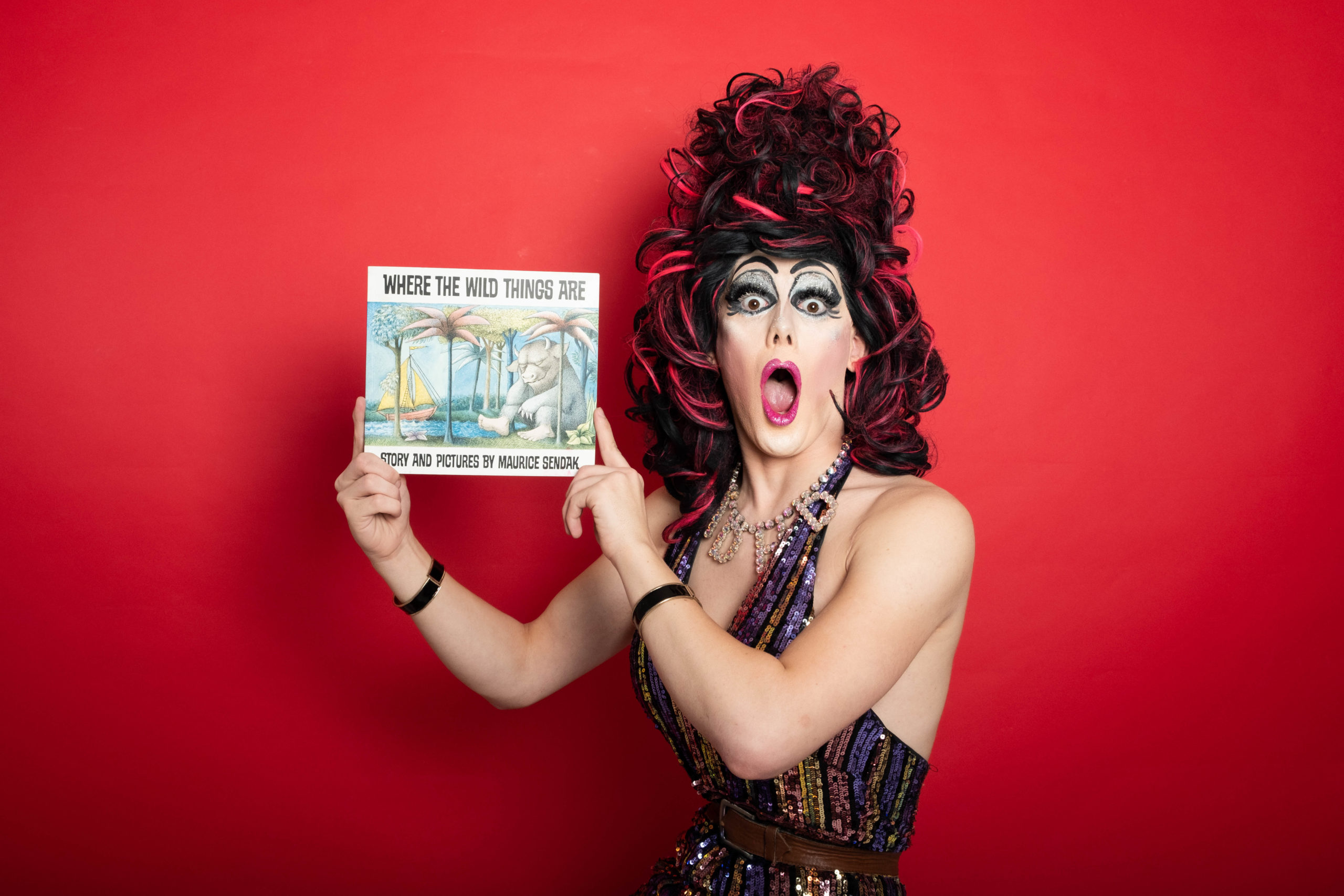 Mumsnet users threaten drag queen for wanting to read books to kids