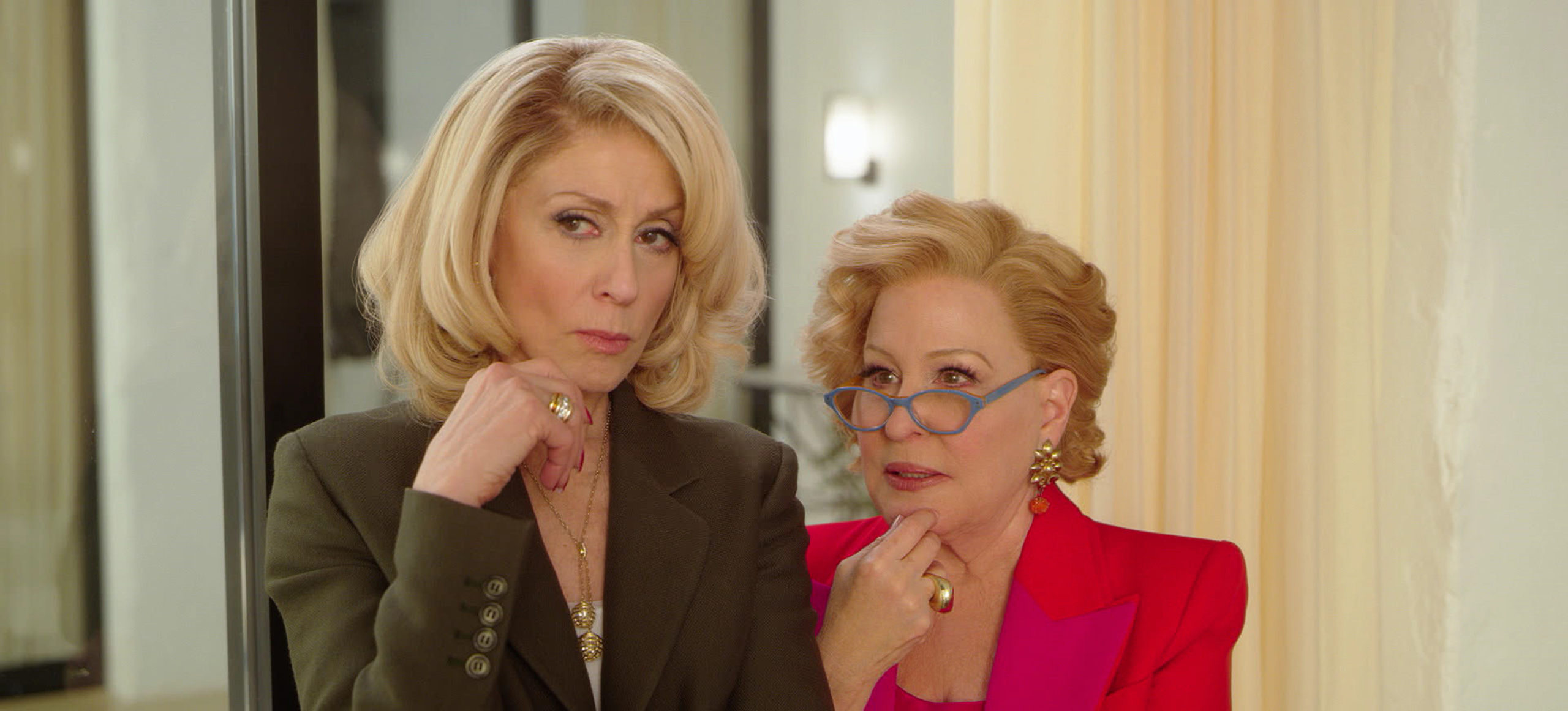Judith Light as Dede Standish and Bette Midler as Hadassah Gold in The Politician