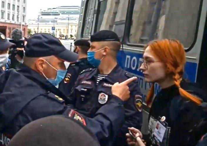 Trans rights activist and ally Mila Zemtsova clashed with Russian police. (Twitter)