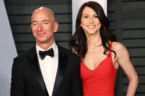 Jeff Bezos (L) and MacKenzie Scott. (Taylor Hill/FilmMagic)