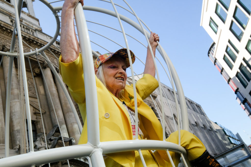 Vivienne Westwood in a cage outside the Old Bailey supporting Julian Assange. (Matthew Chattle/Barcroft Media via Getty Images)
