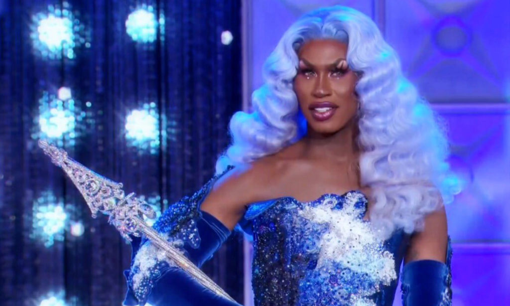 Shea Coulee holding her All Stars sceptre