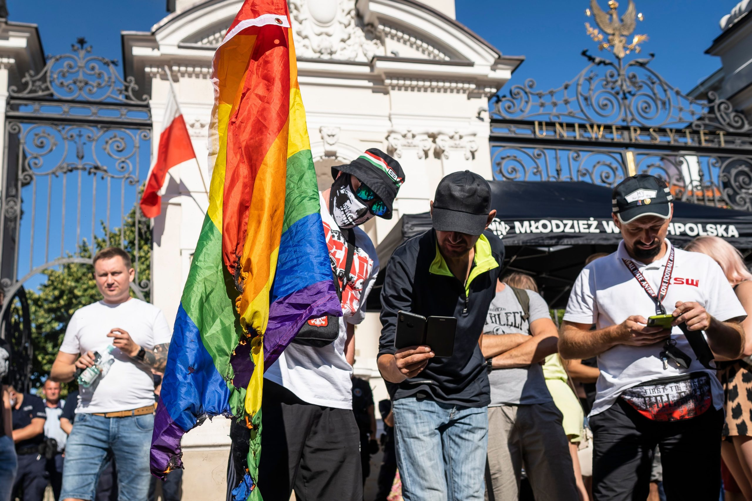 The group succeeded in singing the edges of a rainbow flag