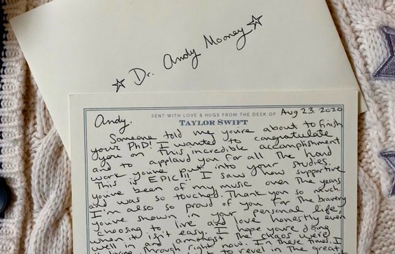 Taylor Swift Celebrates Gay Superfan In Heartwarming Handwritten Letter