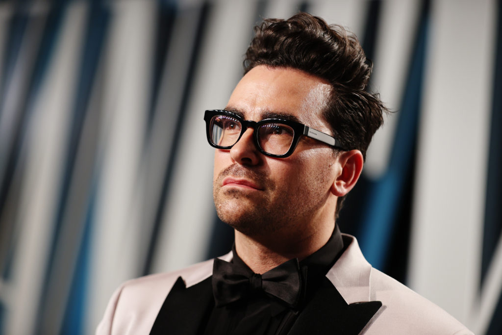 Dan Levy attends the 2020 Vanity Fair Oscar Party