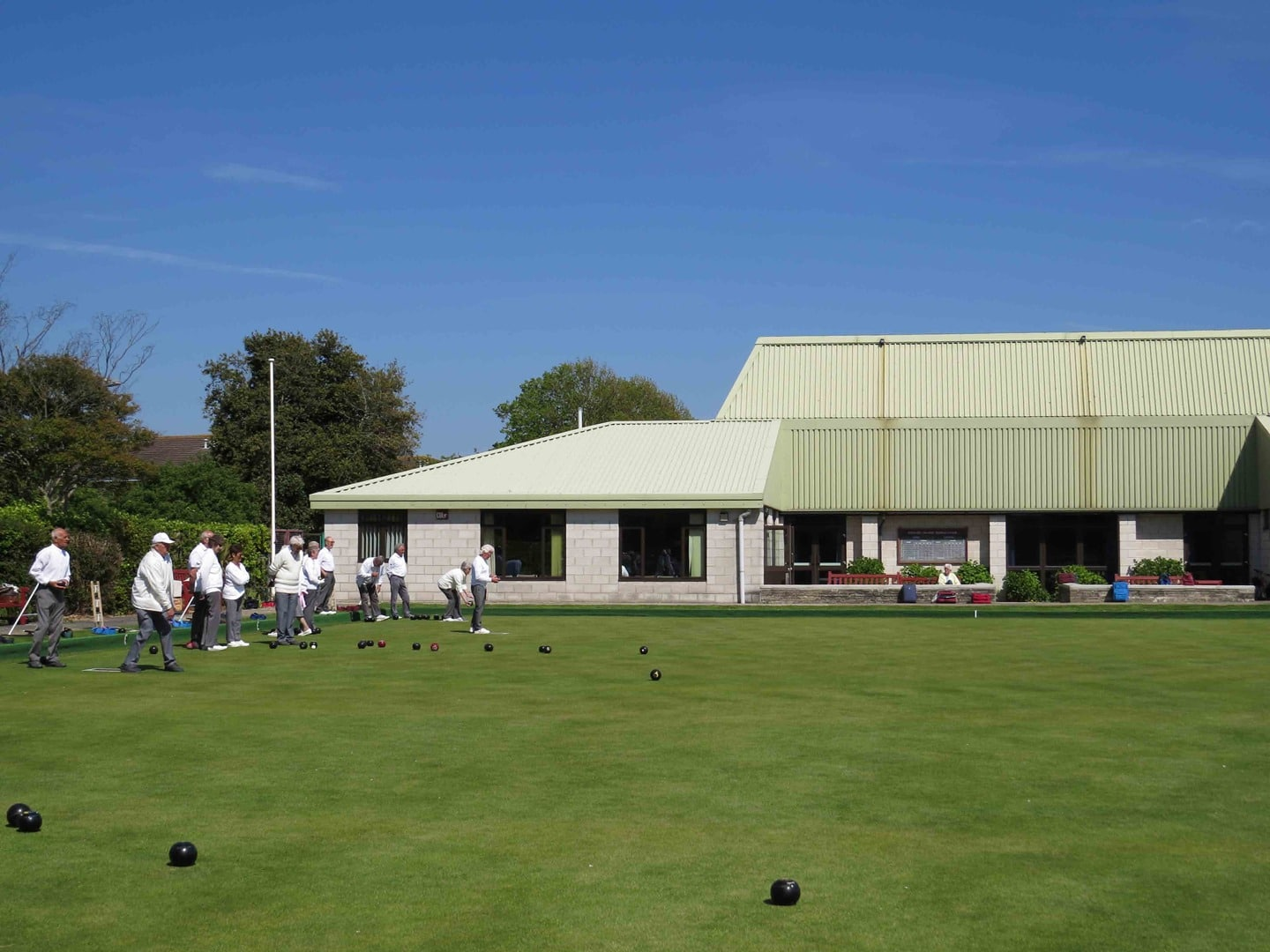 Women's bowling club takes down advice warning 'transsexuals' not to 'vamp up' after backlash over 'archaic' policy
