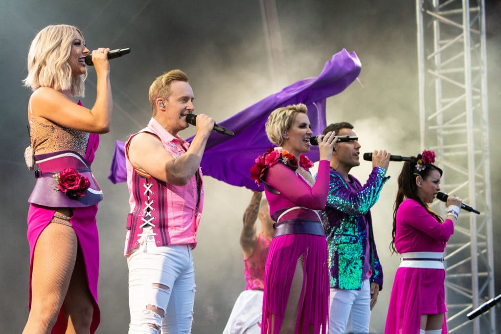 "Faye Tozer, Ian ""H"" Watkins, Claire Richards, Lee Latchford-Evans and Lisa Scott-Lee of Steps"