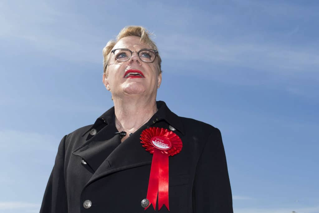 Eddie Izzard is using 'she' and 'her' pronouns. It's her right to self-define
