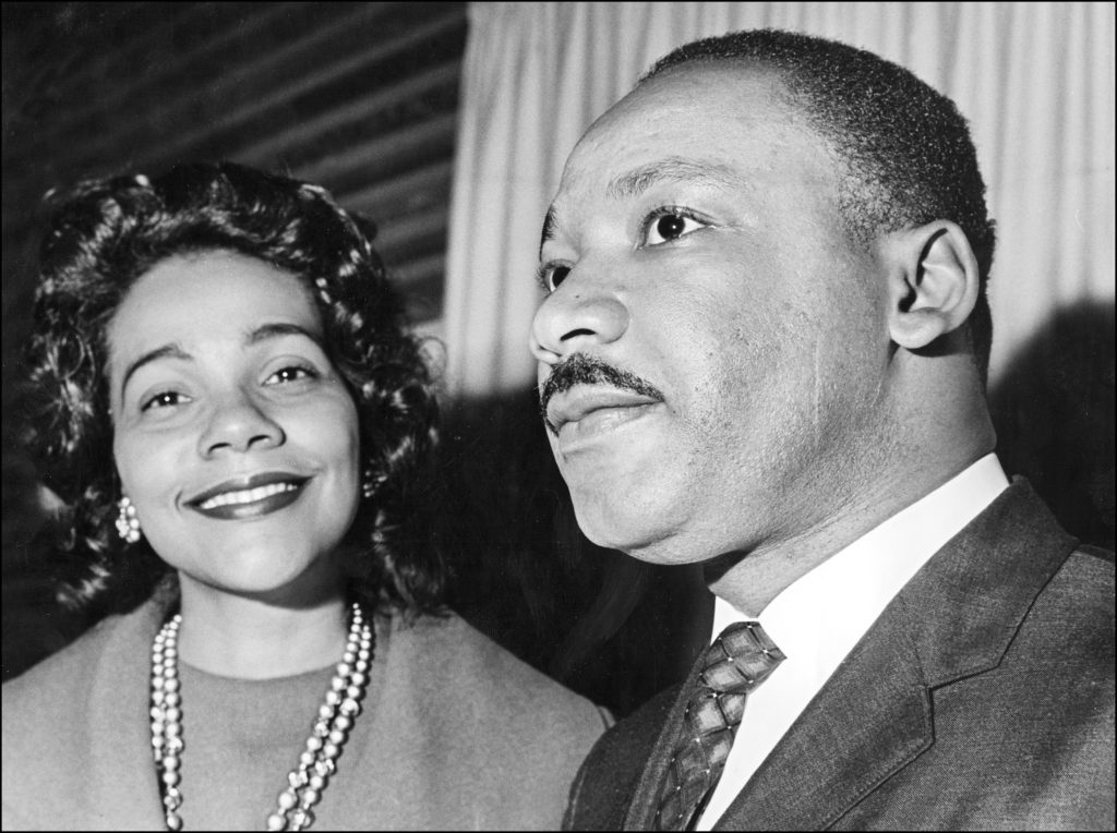 1964: Coretta Scott King and her husband Dr Martin Luther King 09 December in Oslo where he received the Nobel Peace Prize.