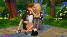 The Sims lesbian pose mod