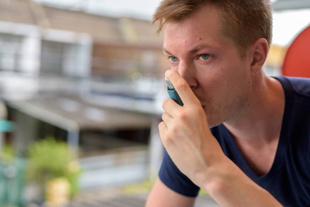 Asthmatic straight guy joins Grindr looking for a spare inhaler