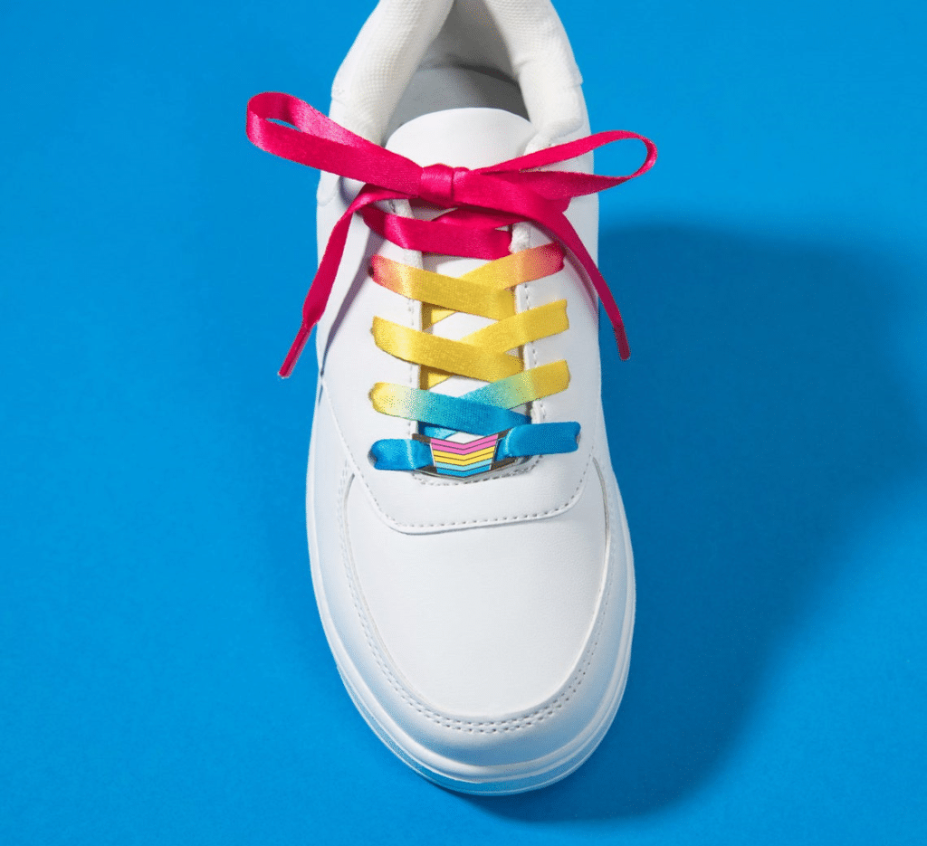 A pair of laces and matching lock with the pansexual flag colours. (ThePinPrick)
