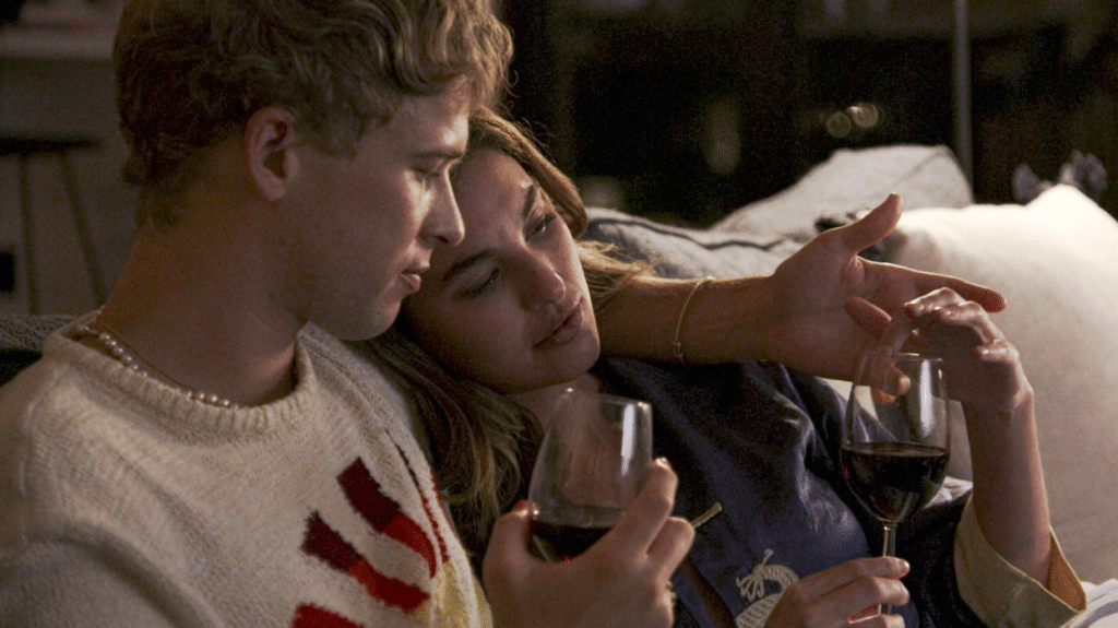 Tommy Dorfman and Rainey Qualley in Love in the Time of Corona