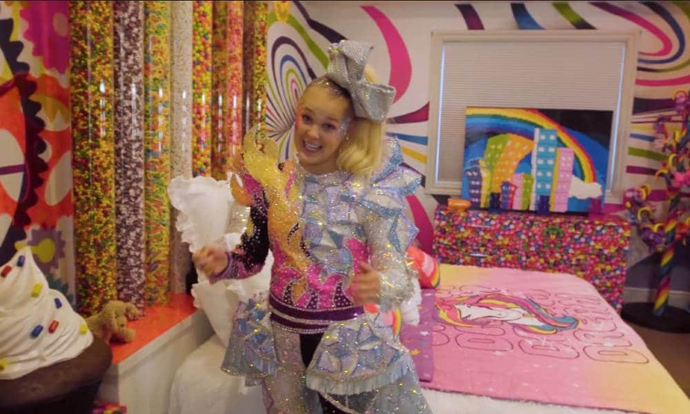 JoJo Siwa's psychedelic, sugar-filled home has to be seen to be believed